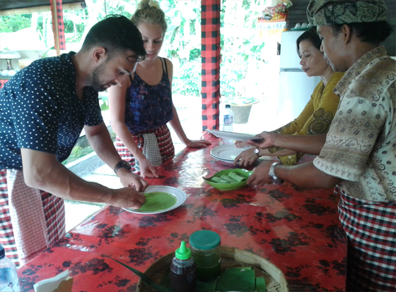 Enjoying Bali Cooking
